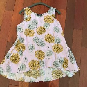 Super Cute Flowy Sleeveless Blouse size small